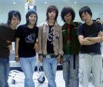 d'Masiv, mencuri perhatian blogvoters sehingga dipilih sebagai Grup Musik Terfavorit ABI 2008 mengalahkan band papan atas, Ungu, ST 12, Peterpan, dll.