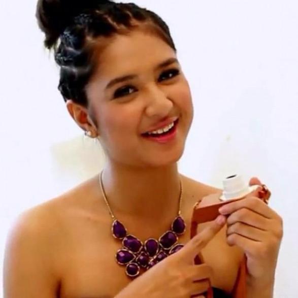 Mikha Tambayong Artis Remaja Indonesia Cantik