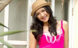 @maudymikha Mikha Tambayong, salah satu dari 10 Artis Remaja Tercantik Indonesia