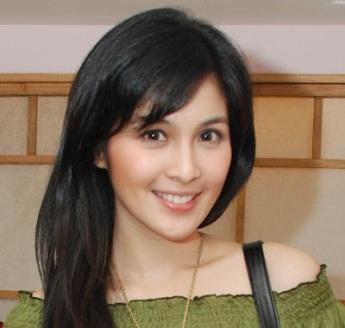 @SandraDewi88 Sandra Dewi salah satu dari 10 Artis Tercantik Indonesia