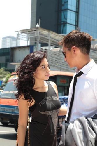 Nikita Willy dan Rezky Aditya dalam TVM 'Perempuan di Pinggir Jalan' di RCTI