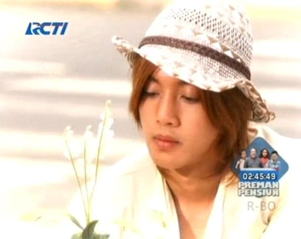 Kim Hyun Joong berperan sebagai Yoon Ji Hoo dalam serial drama Korea Boys Before Flowers